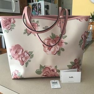 NWT Coach Reversible City Tote Jumbo Floral Chalk